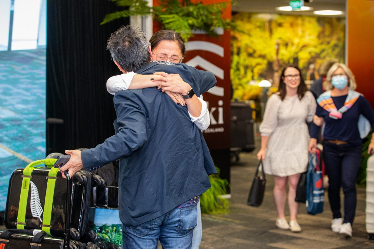 Trans-Tasman bubble is officially open! Heartwarming reunion for New Zealand and Austrailian travellers