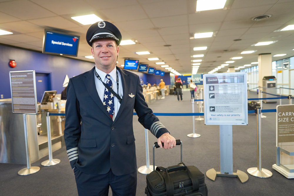 United Airlines to restart new pilot hiring as air travel picks up